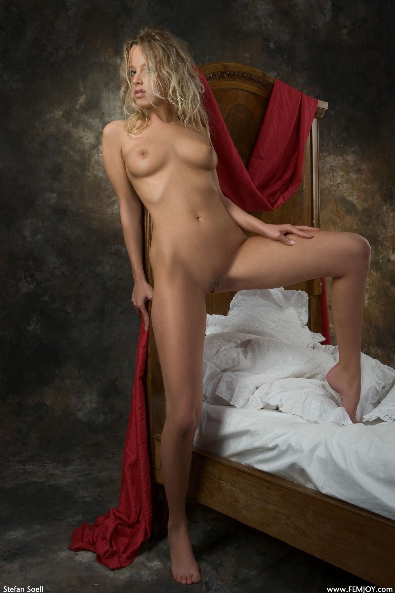Голая блондинка Анка