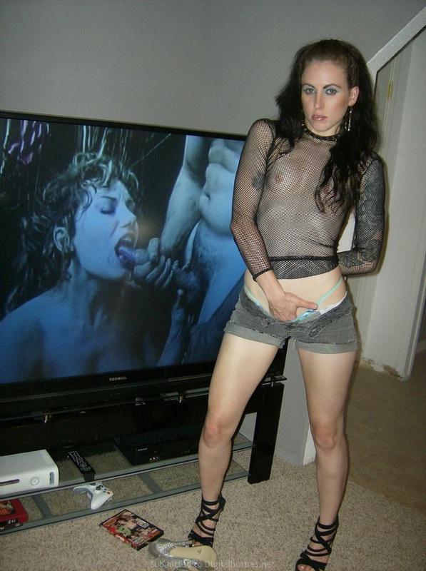 Секс и эротика от горячей и страстной неформалки с тату