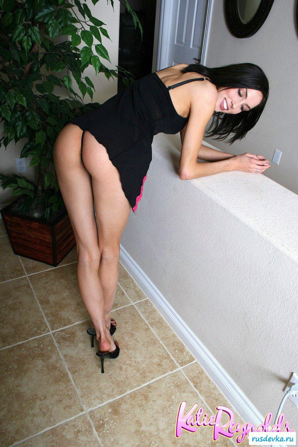 Брюнетка готова к классному сексу