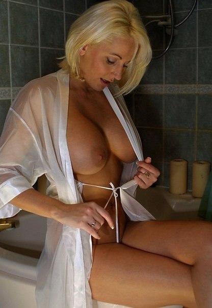 Домашние снимки женщин с большими задницами