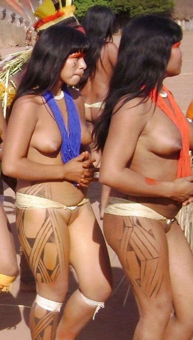 Полуголые бабы из африканских племен