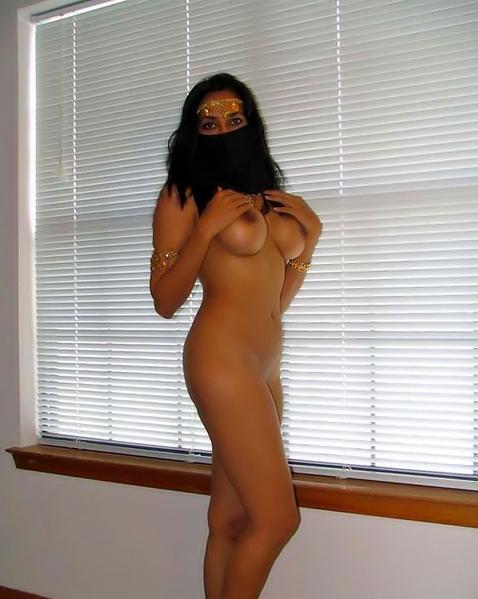 Мусульманка разделась из-за желания секса