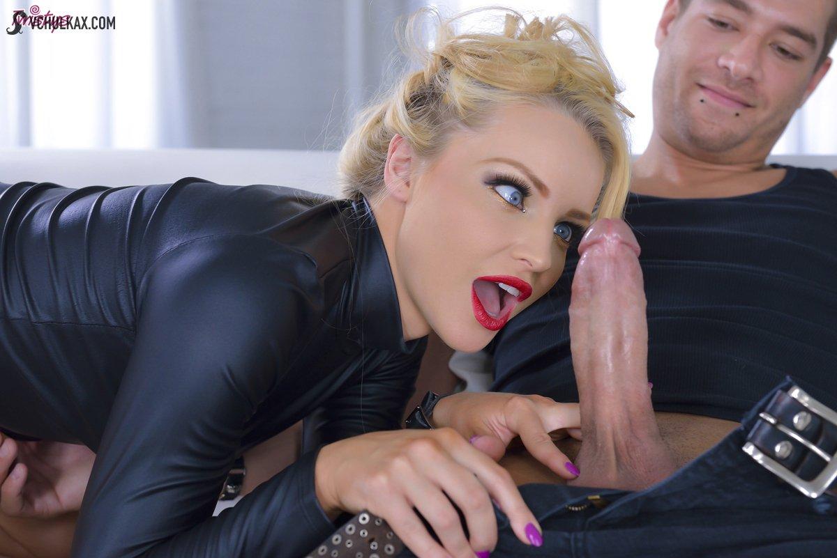 Минет, вагинальный секс и окончание в рот