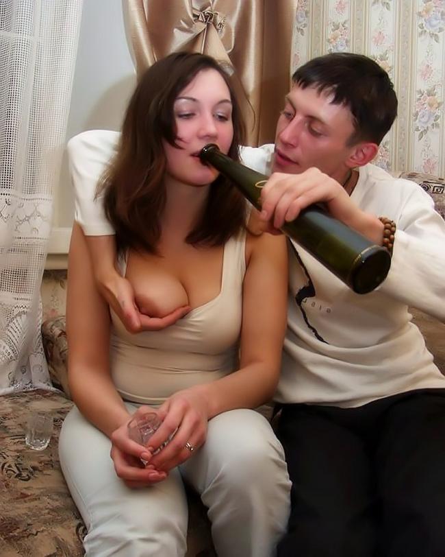 Бухая телка прыгает на большом члене нового дружка порно фото