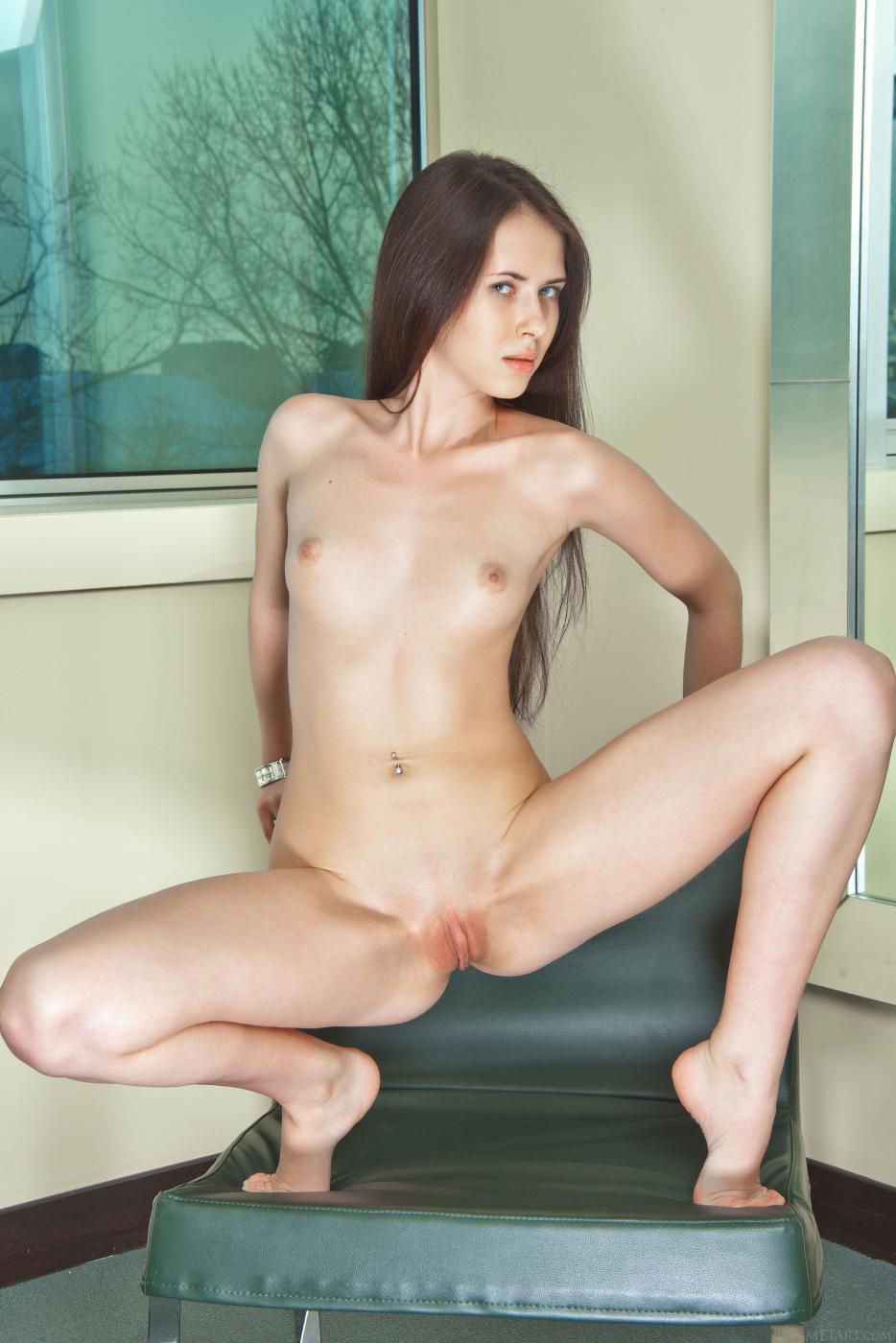 Most Erotic Teens представляет галерею с моделью Margo G