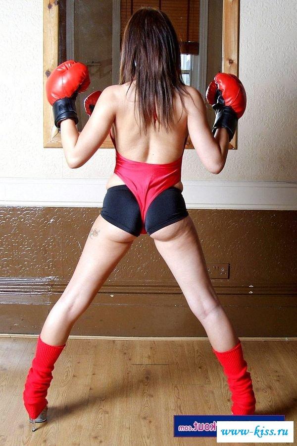 Голый бокс развратной тёлки
