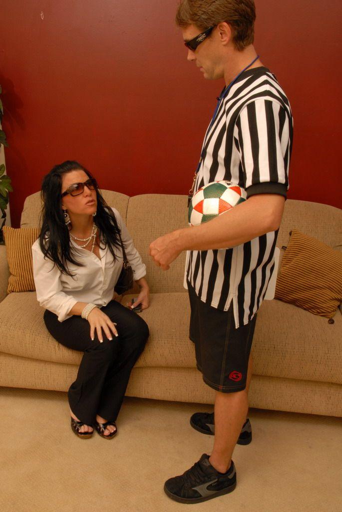 Мамочка Kendra Secrets так возбуждена со спортивным парнем
