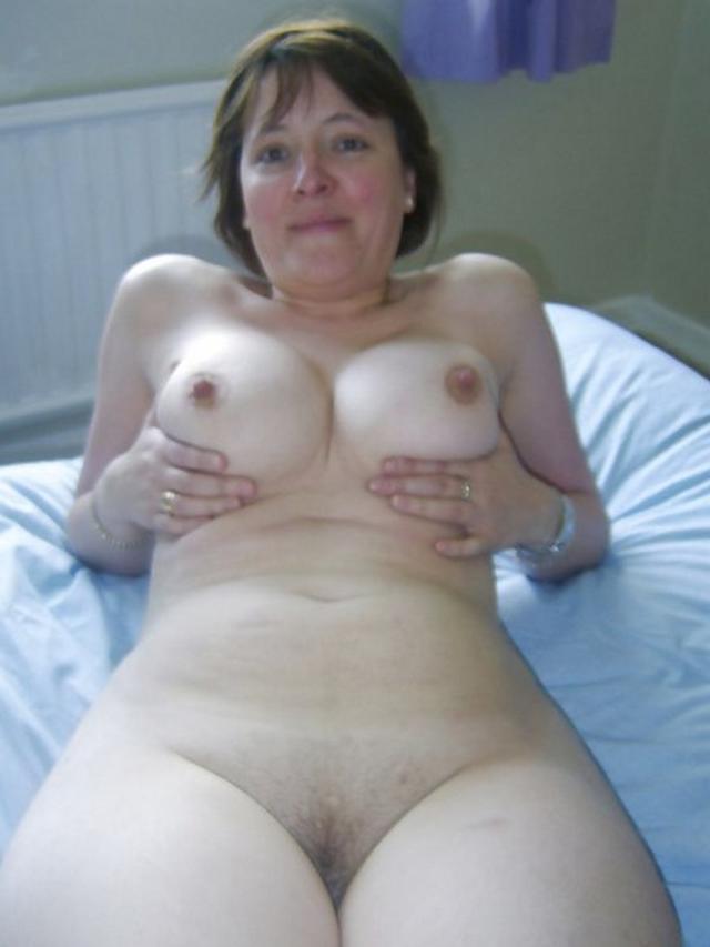 Прекрасные жирные женщины сохранили большие сиськи